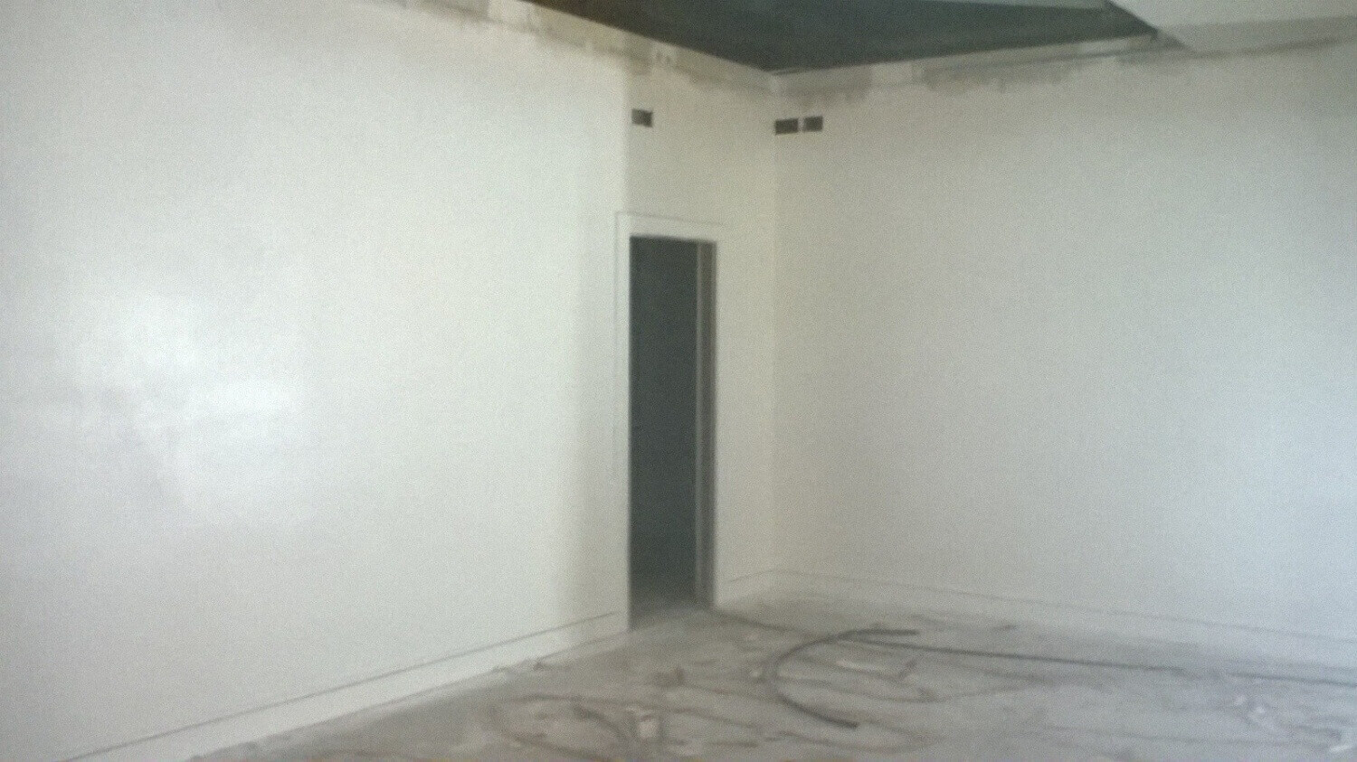 Wall Painting With Airless Paint spraying Luton, Bedfordshire